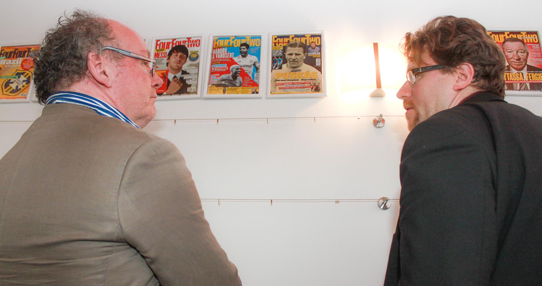 A Champions magazin főszerkesztője és a Puskás-könyv szerzője a Puskás Akadémián (fotó: Takács József)